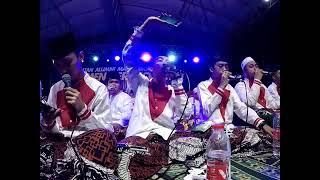 Oy adek berjilbab ungu -Cover Syubbanul muslimin-