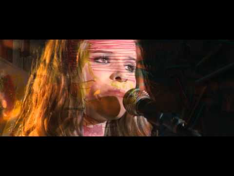 Kate Mara - Sing Happy HD (HappyThankYouMorePlease)