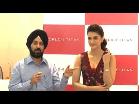 DIWALI CELEBRATIONS WITH CELEBRITY KRITI  SANON AND HER FANS AT WORLD OF TITAN