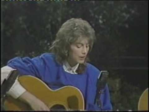Emmylou Harris - The Sweetheart Of The Rodeo