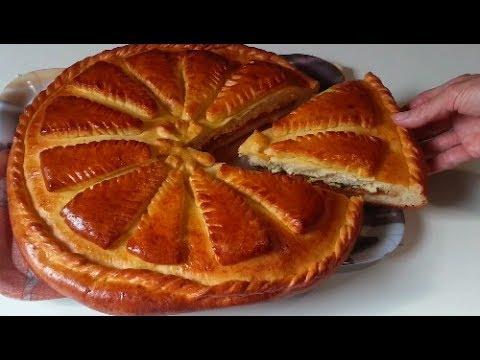 Дрожжевой пирог с капустой,яйцом и зеленью.