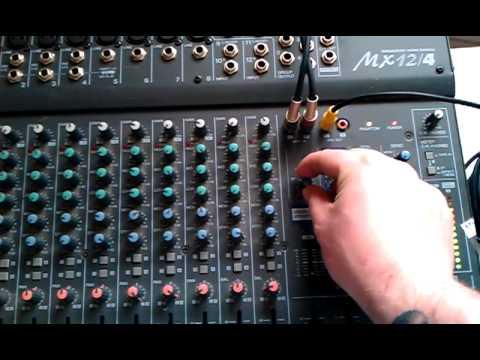 Yamaha MX12/4 mixer