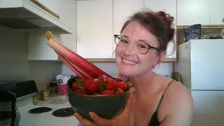 Making a Mess in the Kitchen with Manda - Strawberry Rhubarb