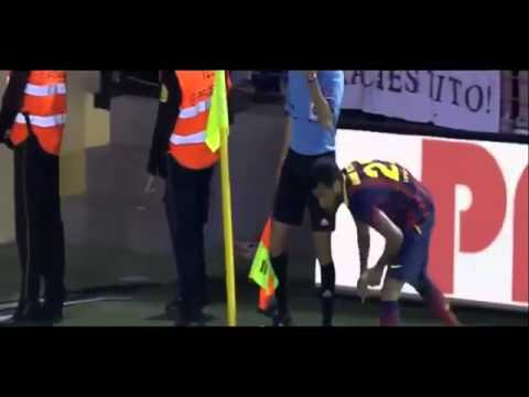 FULL Dani Alves EATS BANANA Thrown by Fan During Barcelonas Win at Villarreal