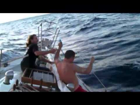dismasted off maui on lunar eclipse dec. 2011.WMV