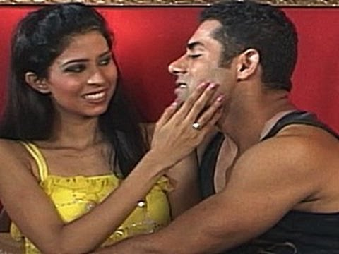 Watch Hot Wife Husband Romance (Desi Joke)