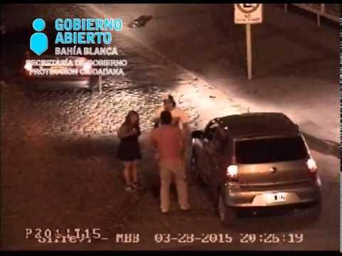 Chocaron y una mujer noqueó a uno de los conductores después de discutir