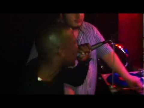 Marvin Moore (of Product G&B) singing Maria Maria live @Club Matrix Berlin.