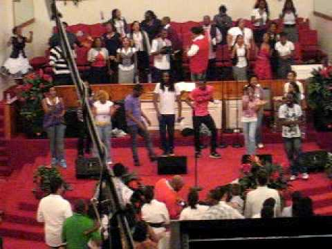 Tye Tribbett - Victory chasing After You (the Morning Song) video