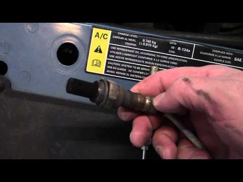 Replacing the Oxygen O2 Sensor on a Ford Focus