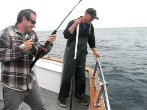 Tuna fishing depoe bay oregon 2010 youtube for Depoe bay fishing charters