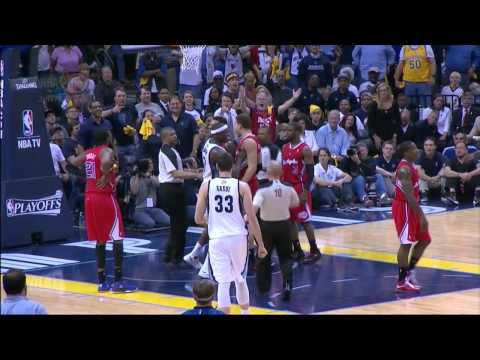Matt Barnes Flagrant Foul On Zach Randolph(Flagrant1)