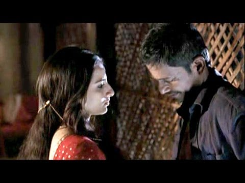 Vidya Balan Romantic Scene With Her Husband - Ishqiya Deleted Scene video