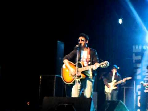 ye jo Halka Halka by farhan saeed (JAL BAND) video + lyrics