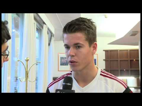 Benvenuto Van Ginkel! #WelcomeVanGinkel | AC Milan Official