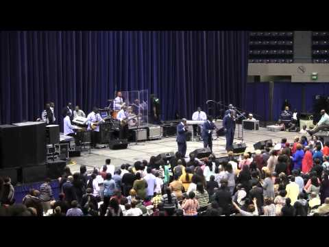 "Doc McKenzie and the Hilites  ""Bless me""  Family Reunion Albany GA 2014"