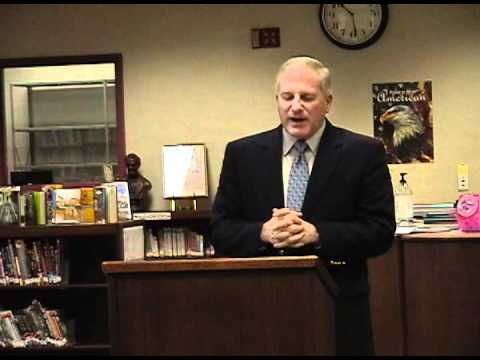 Mark Needham speaks to Teens Leading Kids group at LaRue County High School