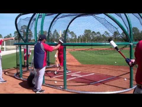 Cody Ross Red Sox batting practice.flv