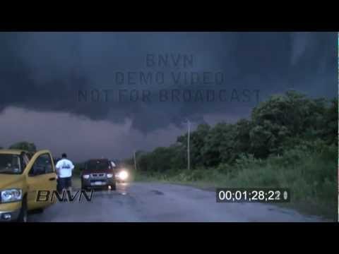 5/19/2010 Tornado and Storm Chasing Traffic Jam in Wynnewood, OK