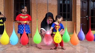 Surprise LOLLIPOP LITTLE PONY & KINDER JOY EGGS Dalam Balon Air, Finger Family Song