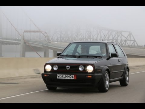 VW Golf 2 GTI. Fast TDI engine swap time-lapse