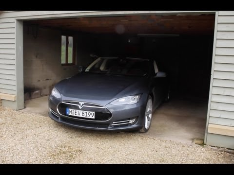Tesla Model S 85 performance plus | Fully Charged