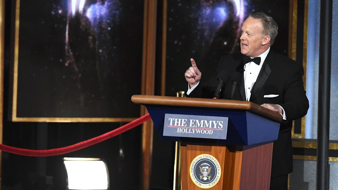 Spicer mocks Trump in surprise Emmys cameo