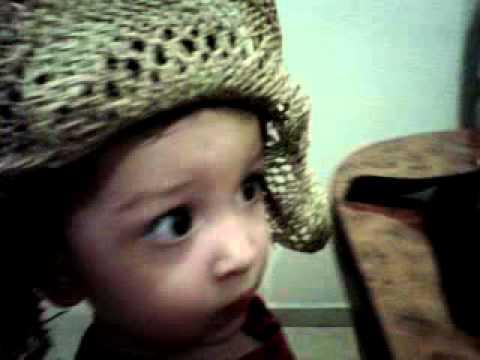 gerardito y su sombrero de gudy...