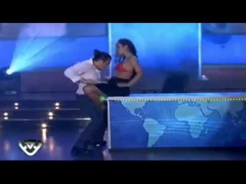 Larissa Riquelme Stripdance Bailando.flv video