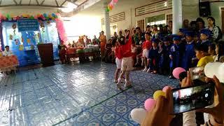 Diễn trong lễ tổng kết lớp lá 1 trường mầm non Hoa Mai