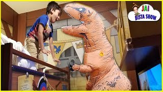 Dinosaurs attack in our Hotel | Dinosaurs Fighting in real life | Halloween 2018