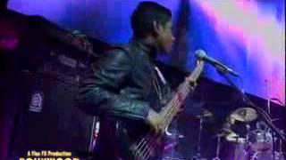 Download Shaan performing Chand Sifarish, Fanaa Live 3Gp Mp4
