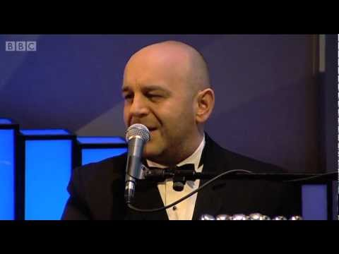 Elio Pace - Blue Christmas (Live on 'Weekend Wogan' BBC Radio 2)