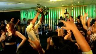 Shalmali Kholgade making everyone dance at Intel concert