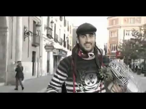 Melendi - Calle La Pantomima (videoclip oficial)