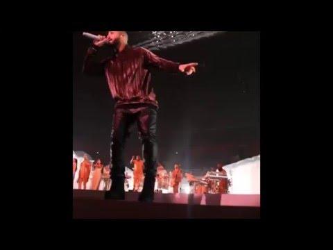 Drake - Jumpman (LIVE) 3/15/16 Rihanna's ANTI Tour (Surprise Performance)