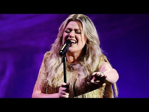 Kelly Clarkson - 'Whole Lotta Woman' LIVE   Billboard Music Awards 2018