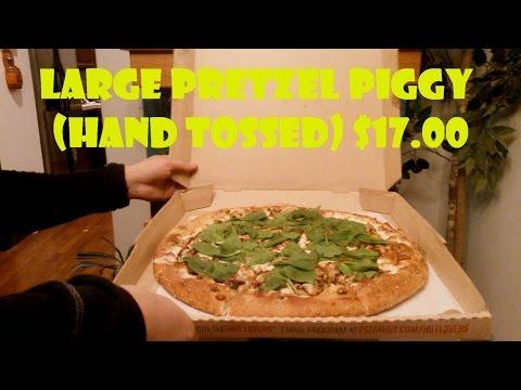 Pizza Hut Pretzel Piggy Large Pizza Review