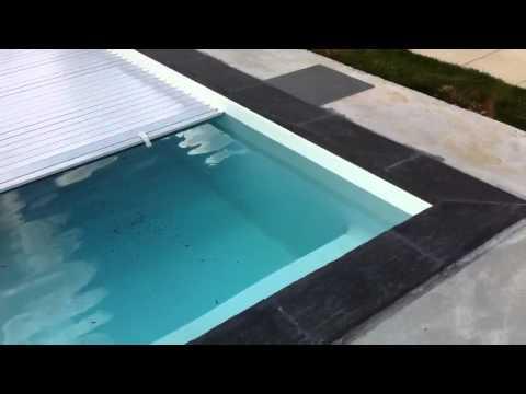 Couverture piscine volet roulant prix for Prix couverture piscine volet roulant