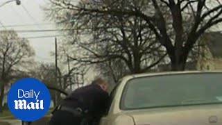 """""""Puhlease, Ah Dindu Do Nuffin Sir!"""" Intense moment Cleveland officer dragged by suspect's car - Dail"""