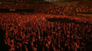 Клип Nickelback - Burn It To The Ground (live)