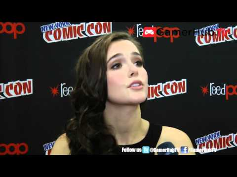 Beautiful Creatures Actress Zoey Deutch Discusses Film Adaptation