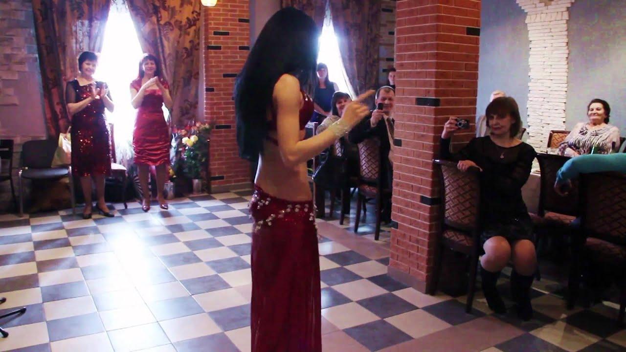 Фото брюнеток танец живота 2 фотография