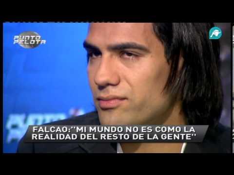 Radamel Falcao se emociona recordando imágenes suyas de pequeño
