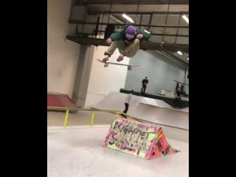 🅿⭕🅿-SHUV @eliasnils1 🎥: @yung.herm | Shralpin Skateboarding