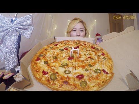 Pizza Hut Sweet Sriracha Dynamite + Alfredo Chicken Pasta | MUKBANG