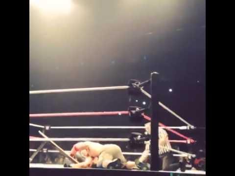 WWE Monterrey John Cena vs SethRolins - Arena Monterrey