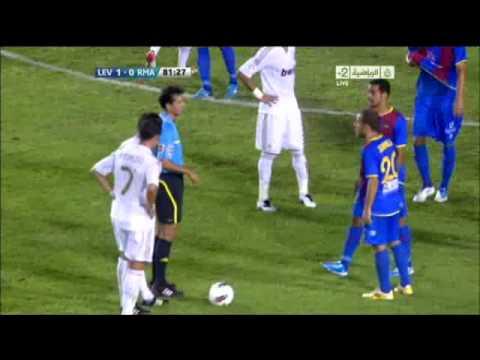 هدف ليس بالكرة وانما بمشجع !! ريال مدريد - ليفانتي.flv Music Videos