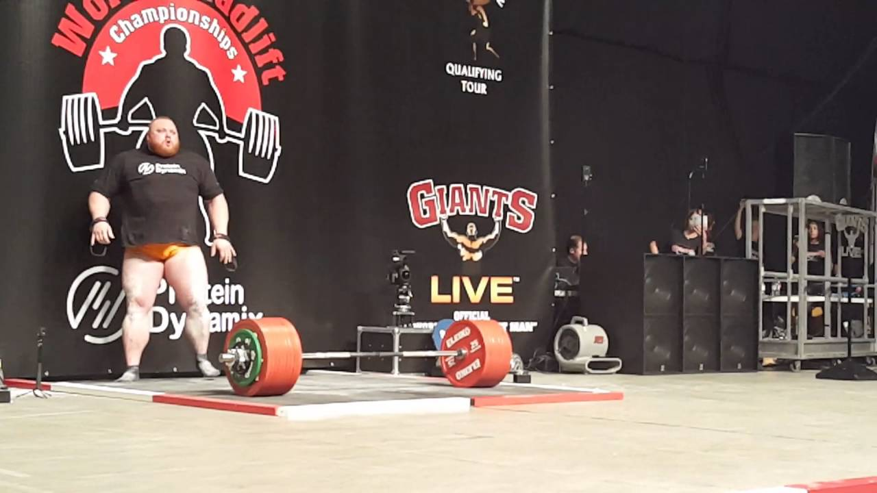 Benedikt magnusson attempts 500kg with 465 already in the bag