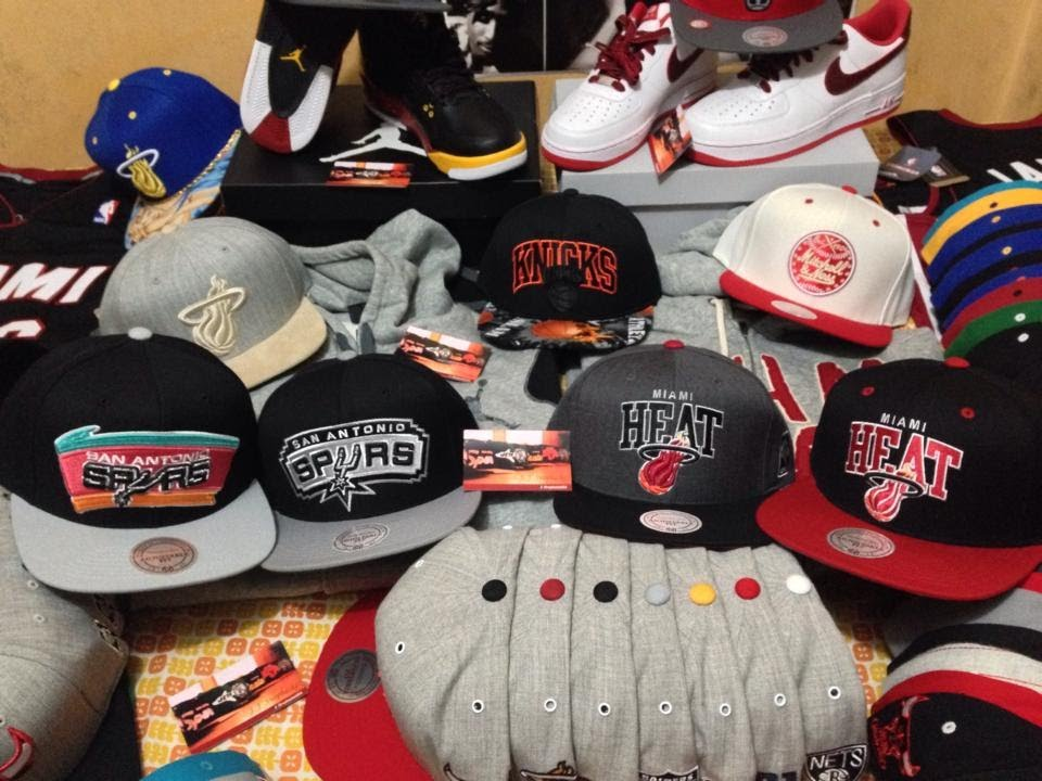 Mitchell & Ness Snapbacks - NBA Finals Spurs vs Heat a lo ...